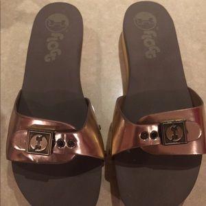FLOGG slip on wooden sandals NWOT
